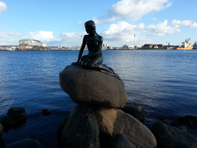 File:Copenhagen - the little mermaid statue - 2013.jpg - Wikipedia | 1080x1440